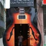 Roll Live Performance