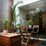 Vanilla Cafe & Bar