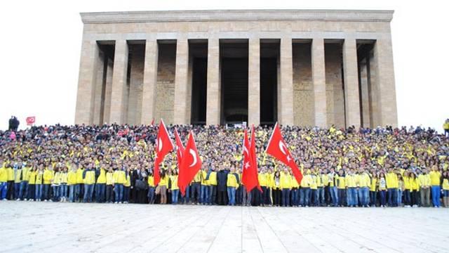 1 milyon Fenerli Anıtkabir'e