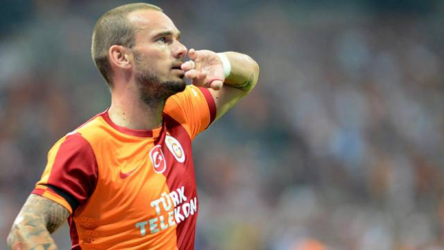 [Resim: sneijder2-640.jpg]